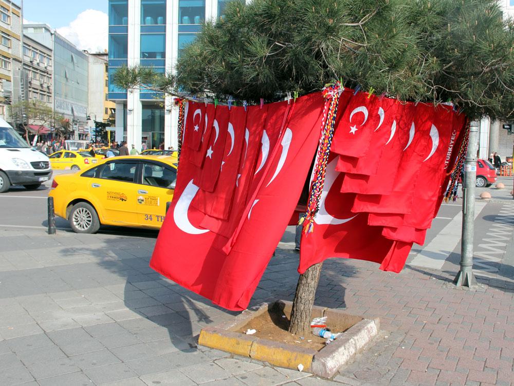 Flaggenverkauf, Kadıköy, İstanbul 2014)