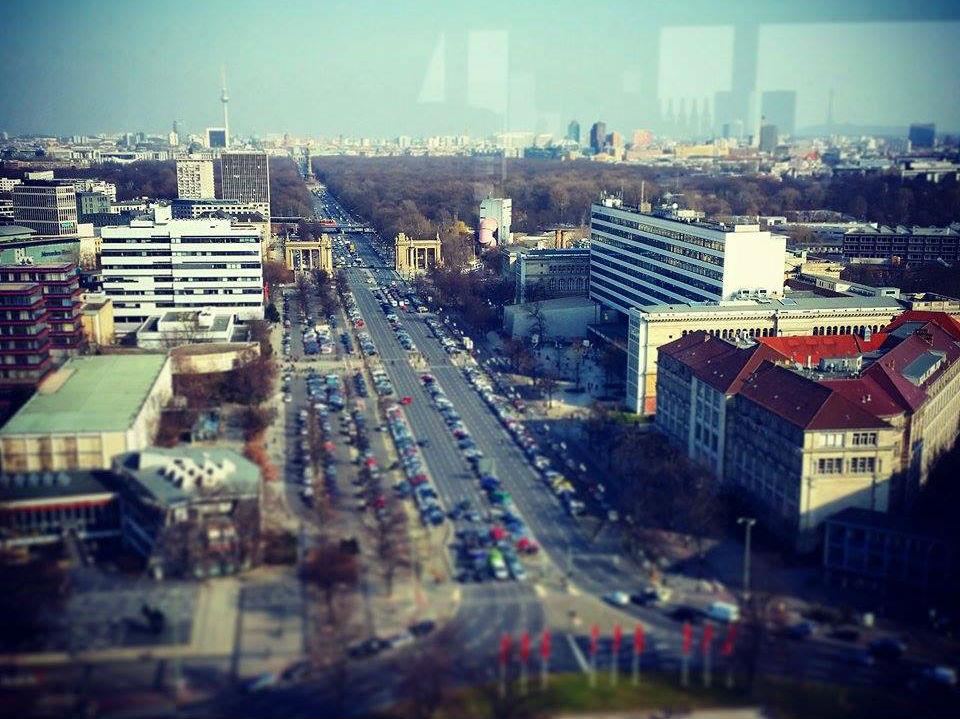 Berlin Teknik Üniversitesi Ernst-Reuter-Platz'de